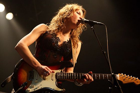 ANA POPOVIC FROM SERBIA PLAYS AT OLD ICE HALL IN HELSINKI FINLAND 1. JULY 2009. SHE IS ON STAGE BEFORE EVENING?S MAIN STAR B.B. KING. Kuva:Matti Raivio/EASTPRESS